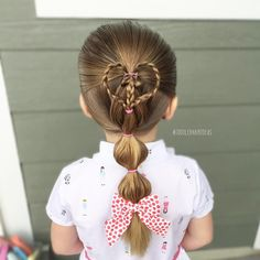 """832 tykkäystä, 23 kommenttia - Cami  Toddler Hair Ideas (@toddlerhairideas) Instagramissa: """"GIVEAWAY IS LIVE, go check it out in my previous post! Bubble pony with a braided heart accent! Bow…"""""""