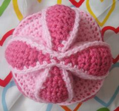 I think this would make a great gift for any kid! An Amish Puzzle Ball {free Pattern}