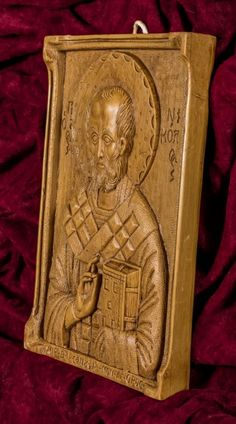 Saint Nicholas aromatic wall icon/plaque made with pure beeswax, mastic and incense from Mount Athos. Art Carved, Saint Nicholas, Patron Saints, Christian Gifts, Sailors, Wall Plaques, Incense, Carving, Pure Products