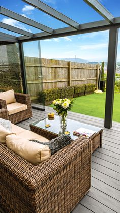 Check out this gorgeous picture we received from one very happy customer 😍! Our EasyClean Terrain & Silver Maple decking has a 30 year warranty, meaning it'll stay looking this beautiful for years to come 🌟🌟    #timbertechuk #timbertech #compositedecking #decking #design #DIY #home #garden #outdoor #flooring #homedecor #HappyCustomer #BeautifulDecor