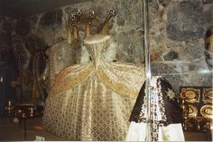 Queen Christina's Coronation Gown by Tracey & Doug, via Flickr