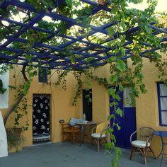 Santorini, Greece   19 Incredible Hostels Around The World (Buzzfeed)