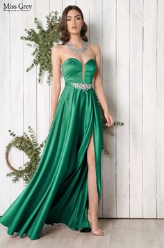 Make a statement this season in this green max idress. Strapless Dress Formal, Formal Dresses, Green Maxi, One Shoulder, Style, Fashion, Green, Dresses For Formal, Swag
