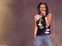 Laura Pausini, singing Surrender