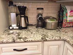 Kitchen Tops, Kitchen Appliances, Drip Coffee Maker, Facebook, Diy Kitchen Appliances, Home Appliances, Kitchen Desks, Coffee Making Machine, Kitchen Gadgets