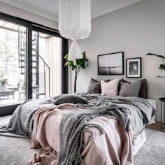 Bedroom Inspiration // Scandinavian Homes - Pursue your dreams of the perfect Sc. Bedroom Inspiration // Scandinavian Homes - Pursue your dreams of the perfect Scandinavian style home with these inspiring Nordic apartment designs. Home Decor Inspiration, Beautiful Bedrooms, Home Decor Bedroom, Bedroom Inspiration Scandinavian, Cheap Home Decor, Bedroom Inspirations, Apartment Decor, Home Interior Design, Interior Design