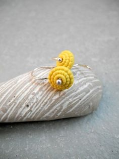 Bubbles - Porcelain earrings - Lemon yellow - Matt.