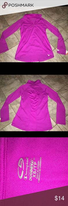 Athletic half zip top Champion Never worn target gym apparel size XS Tops