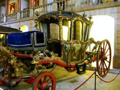One of the earliest coaches at the Royal Coach Museum in Lisbon. This one came with a toilet in it. Confession: When I was asked if I wanted to go to the Coach Museum.I thought they were talking about purses! Cinderella Coach, Cinderella Carriage, Gothic, Horse And Buggy, Horse Carriage, Excursion, Horse Drawn, Antique Cars, Classic Cars