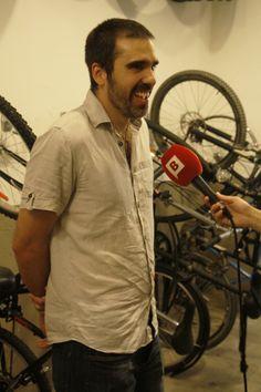 Jordi Romo en entrevista con Barcelona Televisió en la tienda-taller Bicitecla