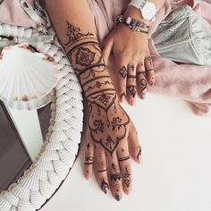 Long #henna glove #veronicalilu