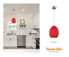 Cocinas llenas de color y calidez con nuestro modelo LAHORE con terminación cristal rojo.