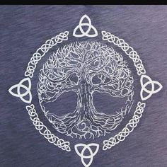 First of all, I should explain what this is. This is the Celtic Tree of Life. It symbolizes balance and harmony. I love the element of lines this design uses. The Celtic knots and branches in tree create a flow. Also, this design shows the element of time Luna Tattoo, Life Tattoos, Body Art Tattoos, Tatoos, Belly Tattoos, Zodiac Tattoos, Tattoo Art, Norse Tattoo, Celtic Tattoos