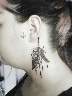 Tattoo by @KahVazquezTattoo Instagram  #Tattoo #Tattoos #Tatuagem #Tatuagens #tatuagensfemininas #TatuagemFeminina #TattooFeminina #tatuagensdelicadas #Tatuagensparamulheres #Tatuadora #Tatuador #Arte #ink #inked #Tatuadores #TraçoFino #LinhasFinas #FineLine #Finelinetattoo  #TattooVicio #Tattoo2me #TattooNova #Tattoosincriveis #InstaTattoo #tattoolife  #tattooidea #artoftheday #mehndi #feather #ear