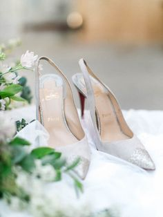 7b03fe86ec35 Photo  J. Lee Photos  wedding shoes idea Mod Wedding