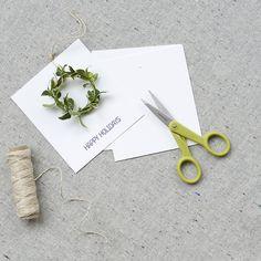 mini wreath gift tags.
