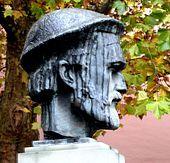 Büste Johannes Gutenberg - vor dem Gutemberg-Museum History Of Typography, Johannes Gutenberg, Garden Sculpture, Outdoor Decor, Literatura