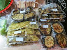 Ο Σεπτέμβριος είναι καλός μήνας για να αποθηκεύσουμε λαχανικά στην κατάψυξη.  Οι μελιτζάνες στον κήπο μας είναι πολύ γλυκές αυτή την ... Sweets Recipes, Dinner Recipes, Cooking Recipes, Cyprus Food, Yummy Food, Tasty, Frozen Meals, Salad Bar, Butter