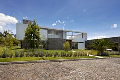 Imagen 1 de 32 de la galería de Casa 2V / Diez + Muller Arquitectos. Fotografía de Sebastián Crespo