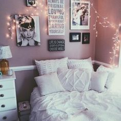 99 Elegant Cozy Bedroom Ideas With Small Spaces (5)