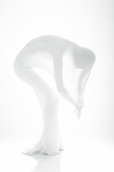 MINIMALISM | Minimal art and minimalistic design everything in pure white by lisa-lorenzon.tumblr.com