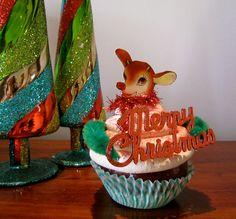 Fake Cupcake Vintage Christmas Card