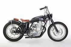http://olddogcycles.com/wp-content/uploads/2013/01/MotorrockSR400-Custom_03.jpg