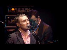 David Gray - Freedom  {He just speaks to my soul....seeing him in concert is definitely on my bucket list!} ♥♥♥