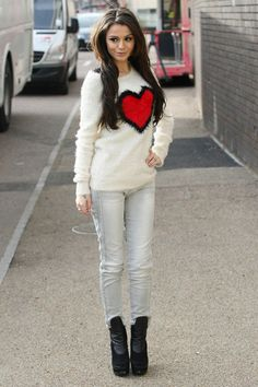 i love this outfit, she is sooooo pretty<3