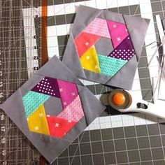 """Cotton and Steel woven hexagon quilt blocks: WITH PATTERN. Make this with 60 degree wedge Sizzix for giant blocksCotton and Steel woven hexagon blocks: I've been making these little """"woven hexagon blocks"""" from a paper piecing pattern I drew myself. Patchwork Quilting, Paper Pieced Quilt Patterns, Patchwork Patterns, Quilt Block Patterns, Pattern Paper, Paper Patterns, Hexagon Quilting, Modern Quilt Blocks, Hexagon Quilt Pattern"""