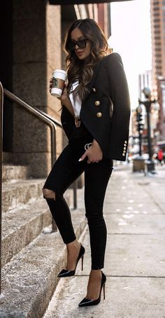 Cute casual fall outfits women, leather jacket, black leather jacket – Business professional outfits for interview Casual Autumn Outfits Women, Winter Fashion Outfits, Work Fashion, Classy Outfits, Stylish Outfits, Chic Black Outfits, Fashion Fashion, Blazer Outfits For Women, Leather Outfits