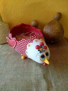 Resultado de imagen para calabazas pintadas a mano gallinas Doll Crafts, Clay Crafts, Diy And Crafts, Craft Tutorials, Diy Projects, Gourds Birdhouse, Painted Gourds, Chicken Art, Gourd Art