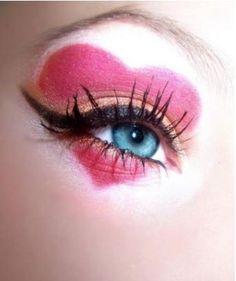 Heart eyes.   make-up. #makeup #eyeshadow