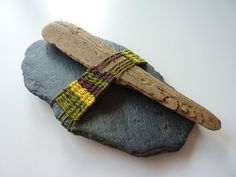 Trekky gets Crafty!: Slate and driftwood weaving...Love the textures