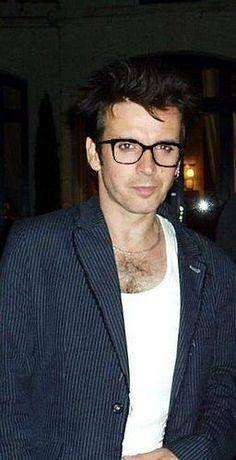 Simon in glasses