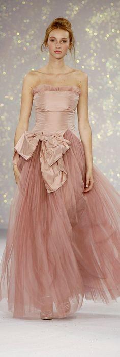 Luisa Beccaria blush silk and tulle evening gown Estilo Fashion, Fashion Moda, Pink Fashion, Love Fashion, Milan Fashion, Luisa Beccaria, Beautiful Gowns, Beautiful Outfits, Style Rose