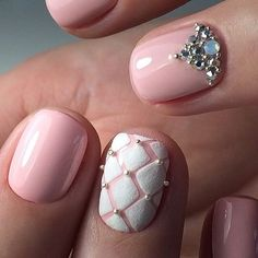 Accurate nails, Beautiful delicate nails, Beige and white nails, Beige nails with rhinestones, Christmas nails, Ideas of beige nails, Perfect nails, ring finger nails