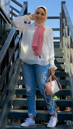 Hijab Styles, Blouse Styles, Casual Outfits, Summer Outfits, Fashion Outfits, Hijab Fashion Summer, Hijab Outfit, College Outfits, Fashion Beauty