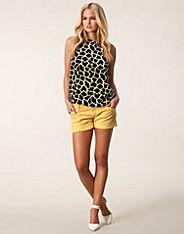 Kanika Shorts - Replay - Geel - Broeken & shorts - Kleding - NELLY.COM