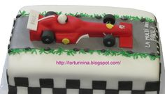 This formula 1 groom's cake idea would be perfect with the car doin a doughnut on the beach instead of it on a track! Fondant Cakes, Cupcake Cakes, Car Cakes, Beautiful Cakes, Amazing Cakes, Gifts For Photographers, Flash Photography, Simple Bags, Cakes For Boys