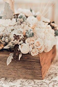 Elegant wooden centerpiece #weddingideas #weddingdecor #rusticwedding #centerpiece #weddings