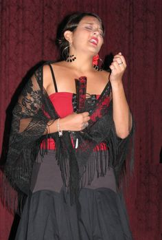 "Sita Nadathur (soprano) sings ""Que te Importa"" from the zarzuela ""Los Claveles."""