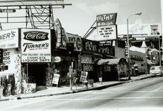 The Turner Liqour store on Sunset in West hollywood - it's still there today! Featured in Winter 2014 Issue. Los Angeles Hollywood, West Hollywood, Hollywood Photo, Vintage Hollywood, California History, Southern California, Coca Cola, Santa Monica Blvd, San Fernando Valley