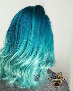 🌈🤘At the beach so here's my🌊☁️ Ocean Avenue wave color 🌎🌊 Yellow Hair, Purple Hair, Ombre Hair, Cute Hair Colors, Cool Hair Color, Extreme Hair Colors, Ocean Hair, Pelo Multicolor, Color Fantasia