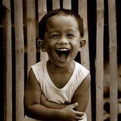 Google-kuvahaun tulos kohteessa http://www.inspirationalreminders.com/images/kid-laughing.jpg
