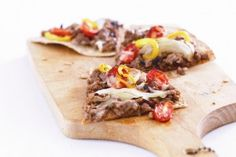 Low-Fat Texas Thin Crust Pizza by Precision Nutrition Clean Eating Recipes, Healthy Eating, Healthy Options, Healthy Recipes, My Favorite Food, Favorite Recipes, Food Should Taste Good, Precision Nutrition, Eat Yourself Skinny