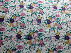 Viscose Estampada Floral Rosas disponível em nossa loja ! Em até 6x sem juros e enviamos para todo Brasil, aproveite !  https://www.luematecidos.com.br/viscose-estampada/viscose-estampada-floral-rosas.html