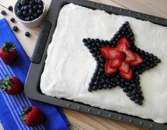 Patriotic Almond Sheet Cake  www.dulcedough.com