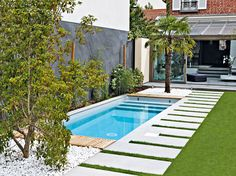 Your pool is all about relaxation. Not every pool must be a masterpiece. Your backyard pool needs to be entertainment central. If you believe an above ground pool is suitable for your wants, add these suggestions to your decor plan… Continue Reading → Small Inground Pool, Small Swimming Pools, Small Backyard Pools, Small Pools, Swimming Pools Backyard, Swimming Pool Designs, Pool Landscaping, Backyard Patio, Outdoor Pool