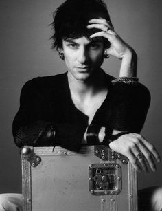 Maksim Mrvica Great Artists, Bad Boys, Beautiful Men, Sculpture, Black And White, People, Fictional Characters, Music, Cute Guys